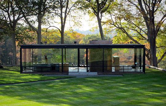 Philip johnson the landmark files for Small glass house plans